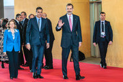 Spanish King Felipe VI (R), Spanish Prime Minister Pedro Sanchez (C) and Spanish Economy Minister Nadia Calvino arrive to the Mobile World Congress (MWC) in Barcelona on February 25, 2019. - Phone makers will focus on foldable screens and the introduction of blazing fast 5G wireless networks at the world's biggest mobile fair starting February 25 in Spain as they try to reverse a decline in sales of smartphones.