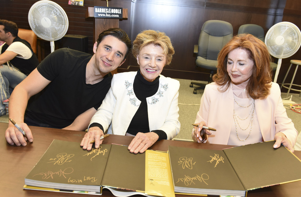 Peggy McCay Photos Photos - 'Days of Our Lives' Book Signing