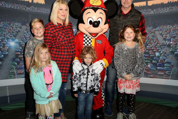 Dean McDermott Disney on Ice Presents Worlds of Enchantment Celebrity Guests (STAPLES Center Los Angeles)