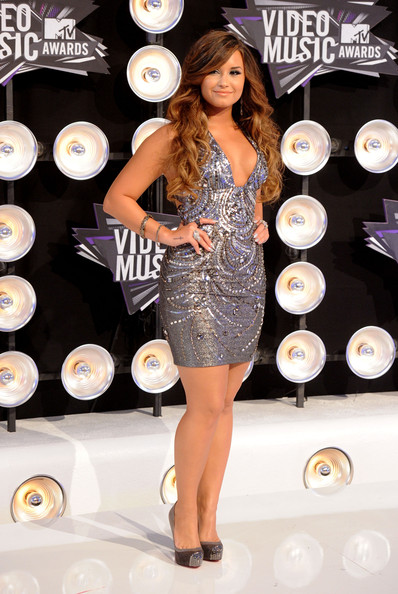 Demi Lovato - 2011 MTV Video Music Awards - Arrivals