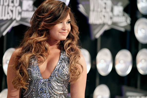 Demi Lovato - 2011 MTV Video Music Awards - Red Carpet