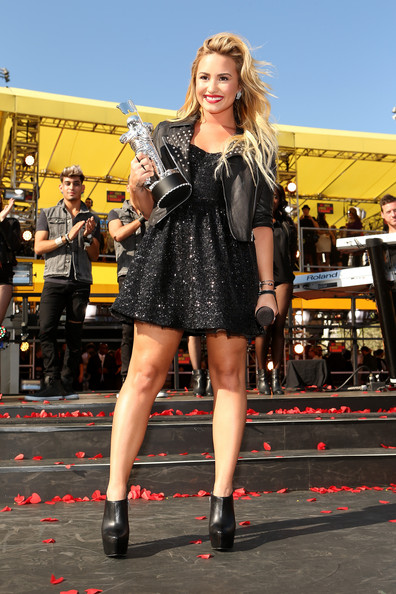 Demi Lovato - 2012 MTV Video Music Awards - Red Carpet