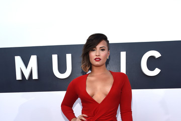Demi Lovato Highlights from the MTV Video Music Awards