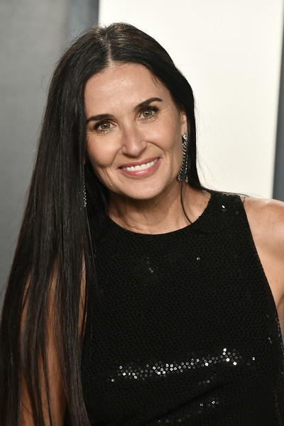 2020 Vanity Fair Oscar Party Hosted By Radhika Jones - Arrivals [hair,face,eyebrow,hairstyle,beauty,black hair,nose,chin,forehead,long hair,demi moore,radhika jones - arrivals,actor,hair,hair,hairstyle,entertainment,oscar party,vanity fair,party,demi moore,vanity fair,oscar party,academy awards,celebrity,party,just jared,entertainment,actor]