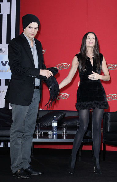 demi moore photos photos pluscity charity gala with demi moore and