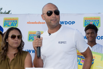 Derek Jeter Nickelodeon and Derek Jeter's Turn 2 Foundation Team Up to Host a 'Road to Worldwide Day of Play' Event in Kalamazoo