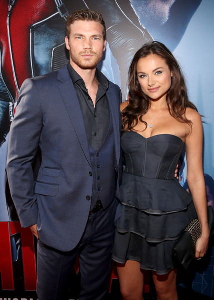 Derek Theler and Christina Ochoa Photos Photos - Zimbio