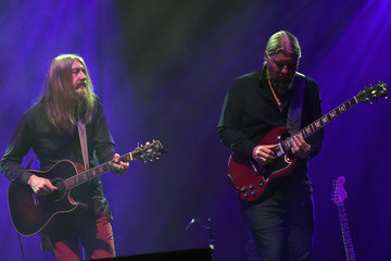 Derek Trucks Wheels of Soul 2017 Tour Featuring Tedeschi Trucks Band With the Wood Brothers and Hot Tuna