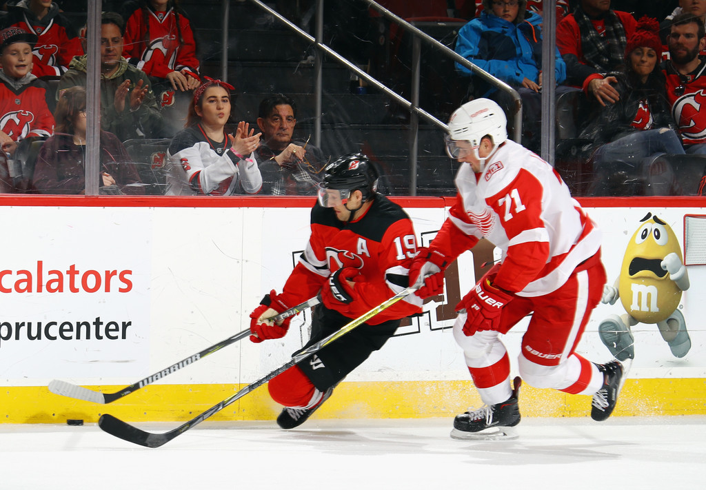 the latest 79d11 6d797 Dylan Larkin Photos Photos - Detroit Red WIngs v New Jersey ...