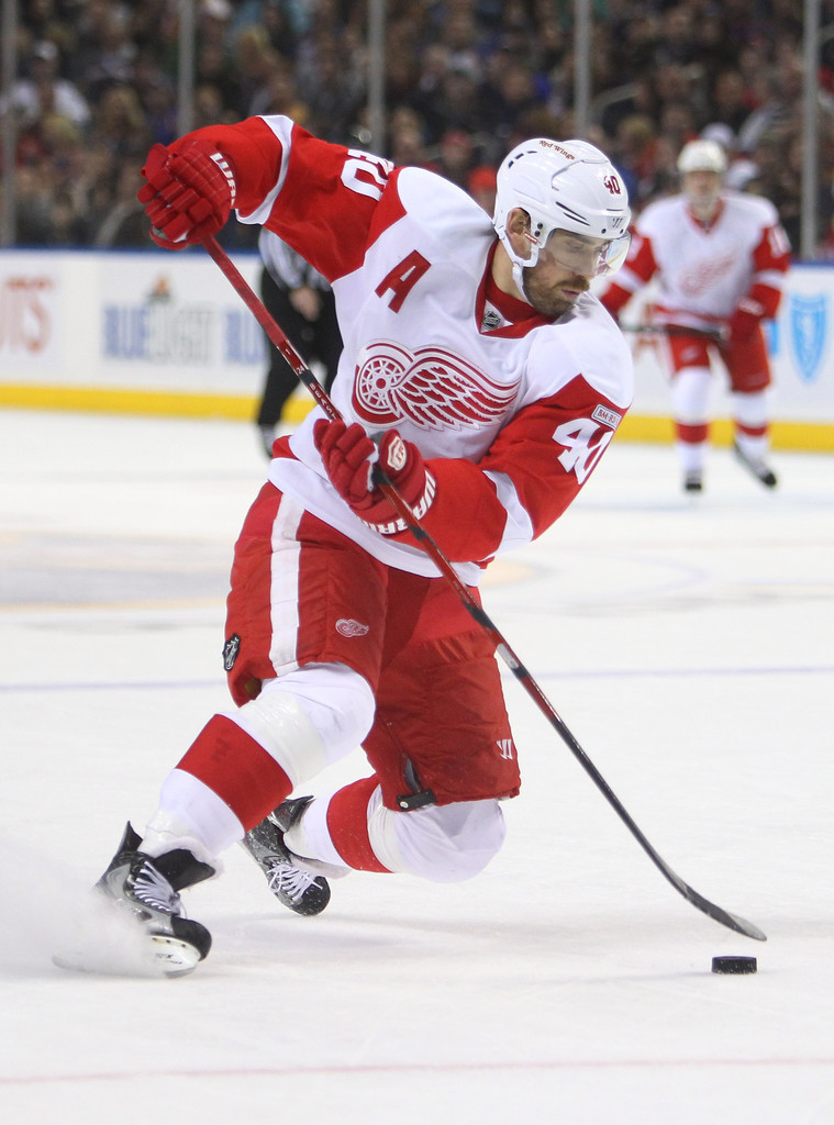 henrik zetterberg photos photos detroit red wings v buffalo sabres zimbio. Black Bedroom Furniture Sets. Home Design Ideas