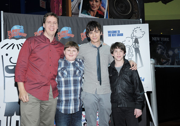 Devon Bostick Jeff Kinney Robert Capron Zach Gordon Devon Bostick And Robert Capron Photos Diary Of A Wimpy Kid Rodrick Rules Cast Visits Planet Hollywood Zimbio