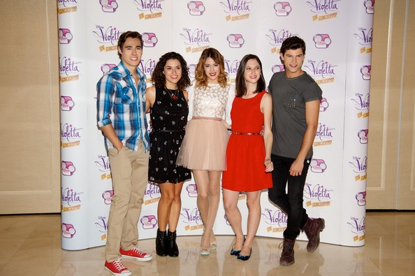 'Violetta' Madrid Photo Call [violetta,madrid photocall,event,jorge blanco,diego dominguez,ludovica comello,martina stoessel,l-r,madrid,alba rico,photocall]