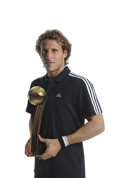 Golden Ball and other WC Awards Diego+Forlan+Adidas+Golden+Awards+2010+5q4jt3A_cbDl