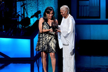 Dionne Warwick National Museum of African American Music - NMAAM 2016 Black Music Honors - Show