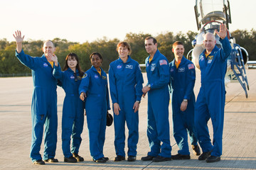 Clayton Anderson Discovery Astronauts Arrive At KSC Ahead Of Launch Dress Rehearsal