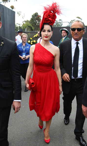 Mode Style Dita Von Teese Looks Incredible In Her Muse Collection