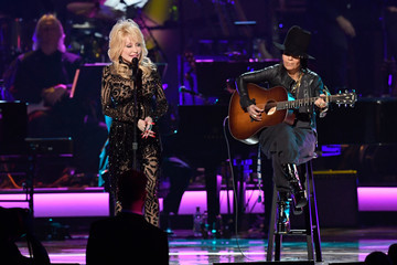 Dolly Parton Linda Perry 2019 MusiCares Person Of The Year Honoring Dolly Parton - Show