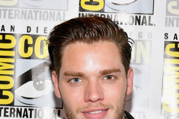 Dominic Sherwood Comic-Con International 2017 - Freeform Press Line For 'Stitchers' And 'Shadowhunters'