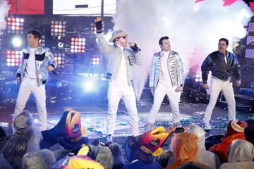 Donnie Wahlberg Joey McIntyre Times Square New Year's Eve 2019 Celebration