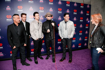 Donnie Wahlberg Jonathan Knight iHeart80s Party 2017 -  Arrivals