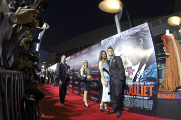Douglas Booth Hailee Steinfeld 'Romeo and Juliet' Premieres in Hollywood — Part 5