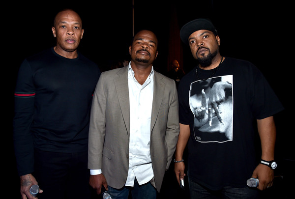 Ice Cube,Dr. Dre an Friend