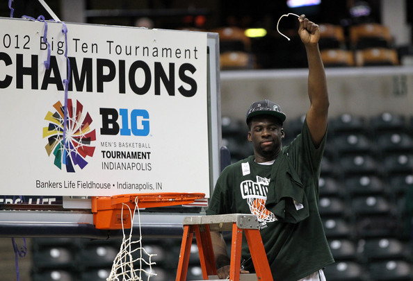 http://www4.pictures.zimbio.com/gi/Draymond+Green+Ten+Basketball+Tournament+Championship+7yrXhjwTtnal.jpg