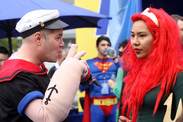 "Popeye DreamWorks Animation & Guinness World Records' Largest Superhero Gathering In Support Of ""Megamind"""