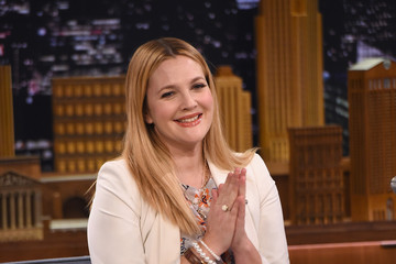 Drew Barrymore Drew Barrymore Visits 'The Tonight Show'