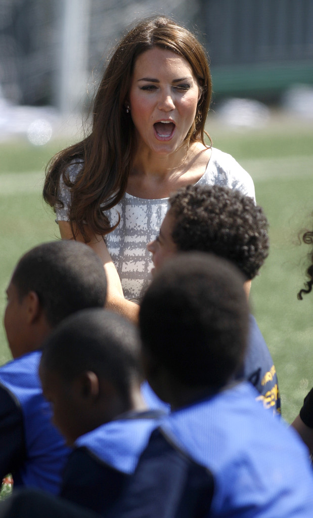 Kate Middleton Photos Photos - The Duke And Duchess Of ...