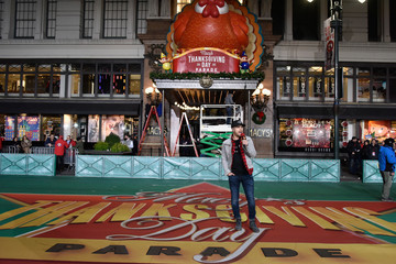 Dustin Lynch Macy's Thanksgiving Day Parade Talent Rehearsals