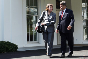 Dutch Ruppersberger Barack Obama Meets with Congressional Leaders