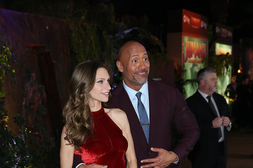 Dwayne Johnson Lauren Hashian Premiere of Columbia Pictures' 'Jumanji: Welcome to the Jungle' - Red Carpet