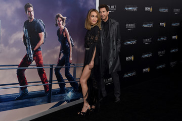 Dylan McDermott 'Allegiant' New York Premiere - Inside Arrivals