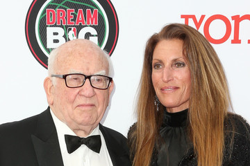 Ed Asner 45th NAACP Image Awards Presented By TV One - Arrivals
