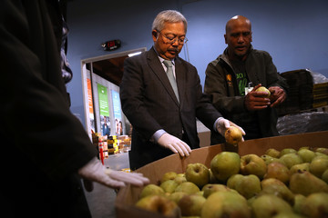 Ed Lee San Francisco Mayor Ed Lee Visits Local Food Pantry for Giving Tuesday