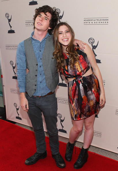 Eden Sher Actors Charlie McDermott  L  and Eden Sher pose at the    Charlie Mcdermott And Eden Sher Dating