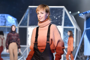 Edie Campbell H&M Runway Show