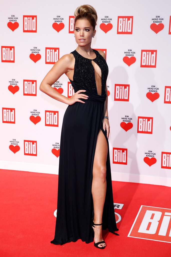 sylvie meis photos photos ein herz fuer kinder gala 2015. Black Bedroom Furniture Sets. Home Design Ideas