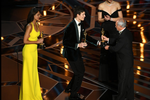 90th Annual Academy Awards - Show [event,fashion,formal wear,suit,performance,tuxedo,gregg landaker,actors,r,eiza gonzalez,ansel elgort,academy awards,best sound mixing for dunkirk,hollywood highland center,california,show]
