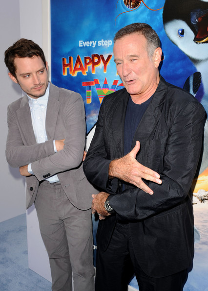 """Elijah Wood Actors Elijah Wood (L) and Robin Williams attend the Premiere of Warner Bros. Pictures' """"Happy Feet Two"""" at Grauman's Chinese Theatre on November 13, 2011 in Hollywood, California."""
