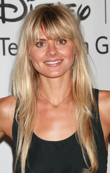 Eliza Coupe - Images Gallery