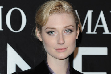 Elizabeth Debicki Front Row at the Giorgio Armani Show
