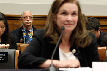 Patch Adams Elizabeth Edwards Testifies Before House Committee On Healthcare Costs