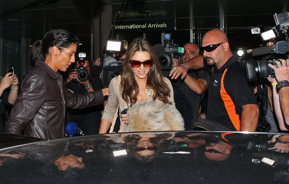 Elizabeth Hurley Actress Liz Hurley arrives at Melbourne International Airport on February 8, 2011 in Melbourne, Australia.