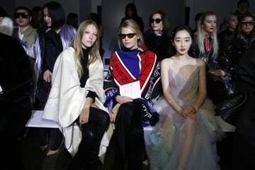 b2c7a119dc0 Ella Richards Lanyu - Front Row - February 2019 - New York Fashion Week  The