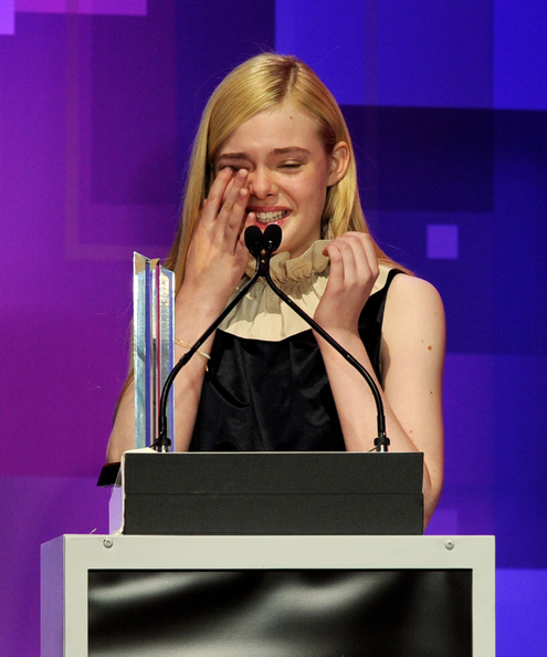 elle fanning actress elle fanning receives the actress of the year ...