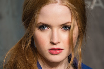 Ellie Bamber Lost in Space - Anniversary party