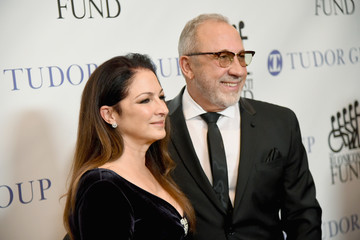 Emilio Estefan 32nd Annual Great Sports Legends Dinner To Benefit The Miami Project/Buoniconti Fund To Cure Paralysis - Arrivals