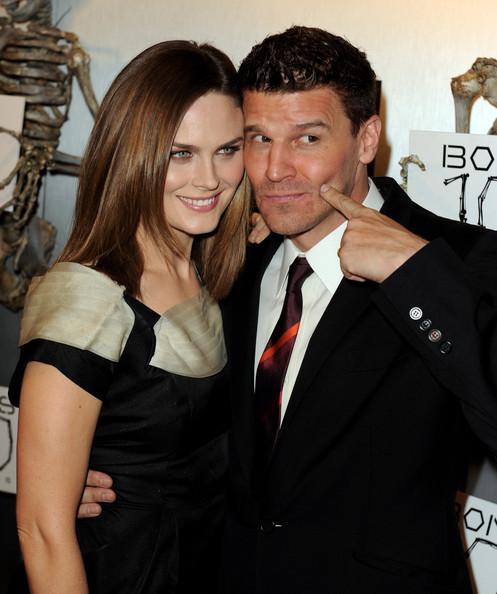 Emily Deschanel and David Boreanaz Photos Photos - Fox ...